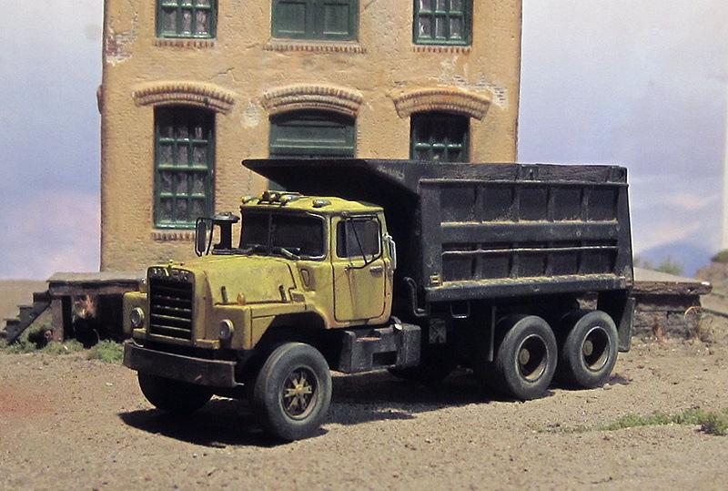 Mack Dm600 Dump Truck